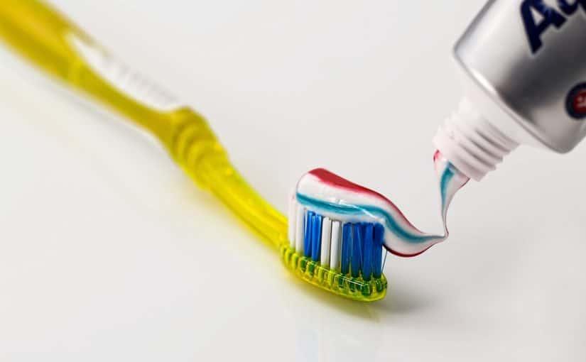 ¿Cómo combatir el sarro en los dientes?