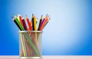 lapicero con lápices