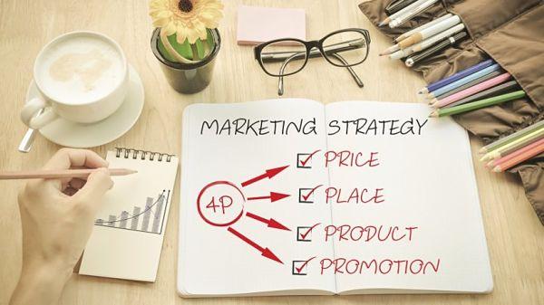 cuaderno-donde-está-escrito-las-4-P-del-marketing